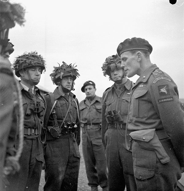 1st Canadian Parachute Battalion, from Birth to Combat   EUCMH   Page 2  Brigadier S. James L. Hill (right), Commander of the 3rd Parachute Brigade, briefs officers of the 1st Canadian Parachute Battalion, Carter Barracks, Bulford, England, 6 December 1943.