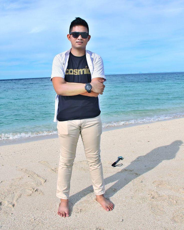 Abaikan lagi nyeker.. Yg jelas Borneo itu emang indah �������� #photoshoot #iphoneonly #samakamuaja #vacay #wanderlust #travel #islandlife #travelling #romantisberdua #instatravel #island #travelgram #lol #canon #indonesiajuara #keren #superadventure #like4like #photography #bikini  #beach #pantaisia #mannequin #xiomiyicam #gopro #pantai #beauty #nikon #camera #beach http://tipsrazzi.com/ipost/1506887871271846566/?code=BTpioj7gMKm