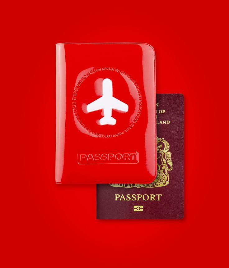 """Alife Design da sempre trasmette nelle proprie collezioni il valore delle emozioni, in particolare il colpo d'occhio di colore, luce e piacere. Con particolare attenzione per chi viaggia, crea oggetti con un """"qualcosa in più"""" per vivere meglio e più comodamente.  1000 colori e 1000 idee per viaggiare con praticità e comodità. passport cover #alifedesign #alife #design #travel #travelbag #plane #flight #trip #vacation #luggage #passport #color #overseas"""