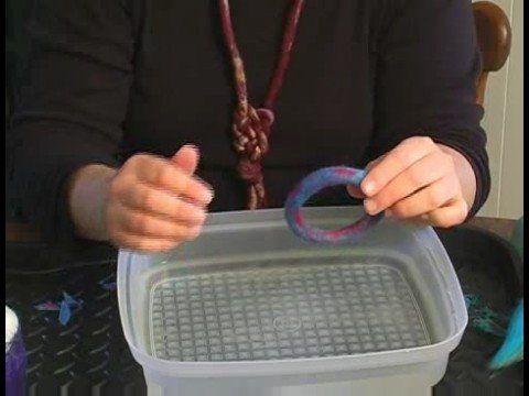 How to Make Felt Bracelets : Felt Bracelet Vinegar Rinse