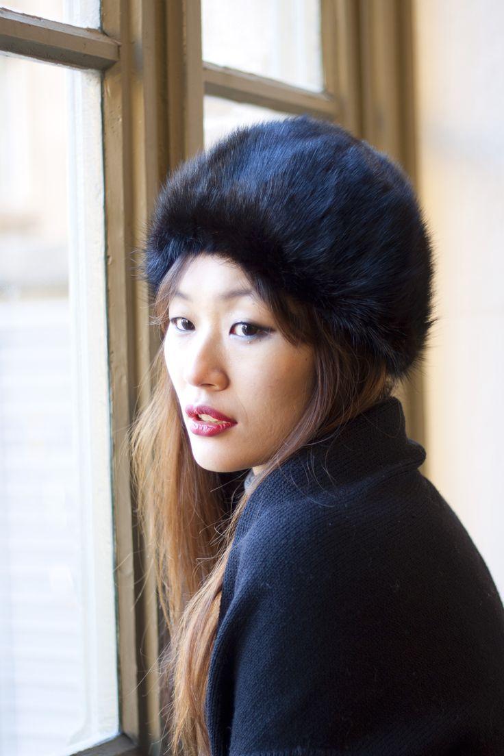Toque vintage en fourrure de vison. Vintage mink hat.  http://www.oldnewthings-vintage.com/