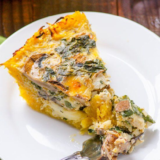 Kale and Mushroom Spaghetti Squash Quiche - no traditional butter+flour crust here. Low in carbs, big on flavour. Bikini, here we come!