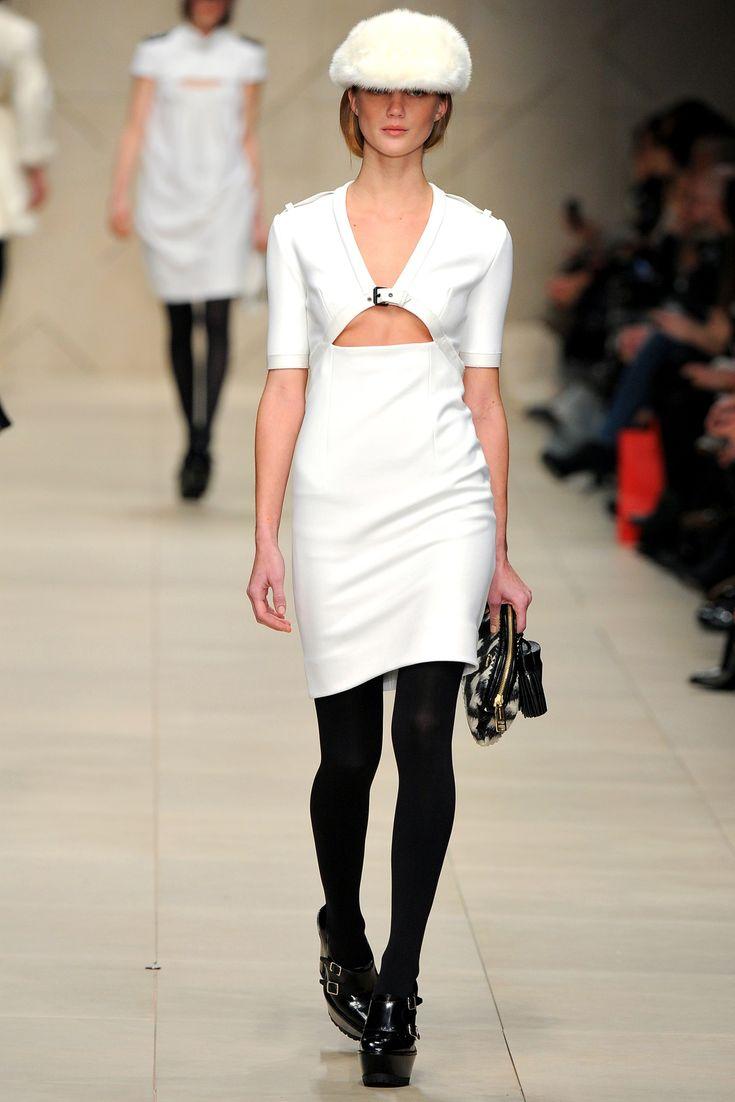 Vestito bianco nero scarpe invernali