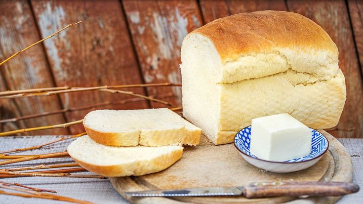 Vposledních letech roste iunásobliba toastového chleba. Aťužznějbudete dělat zapečené toasty, nebo sendviče nasvačinu čivečeři, nejlepší budou zchleba, který sidoma upečete sami. Anení tonictěžkého.