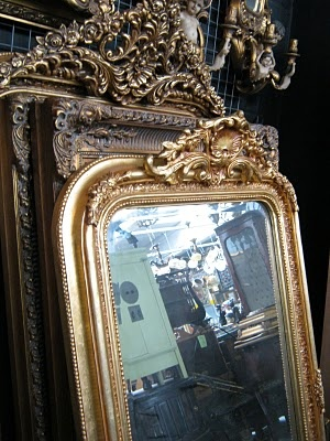 frame goodness: Ave Houses, Vintage Mirror, Mirror Mirror, Gold Frames, Glasses Paintings, Ornate Frames, Antiques Mirror, Nice Colors, Frames Mirror
