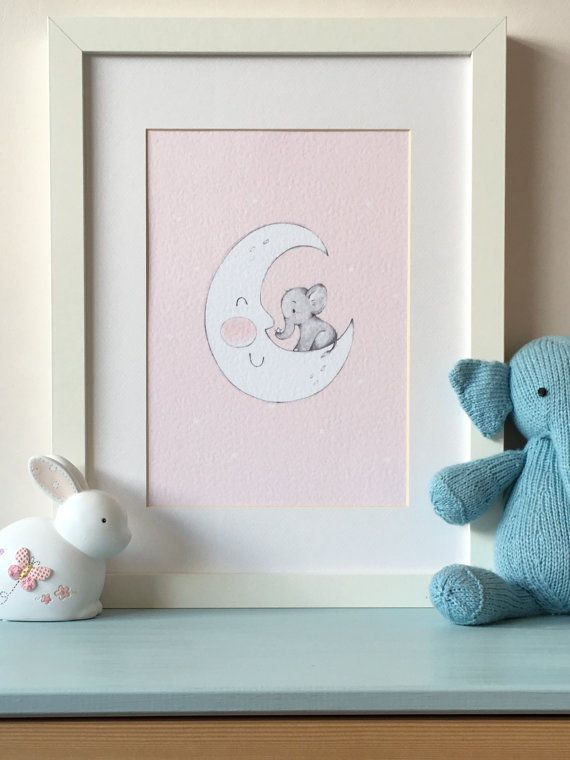 Rosa Baby Elephant sulla luna Nursery Wall di LittleCupCreations