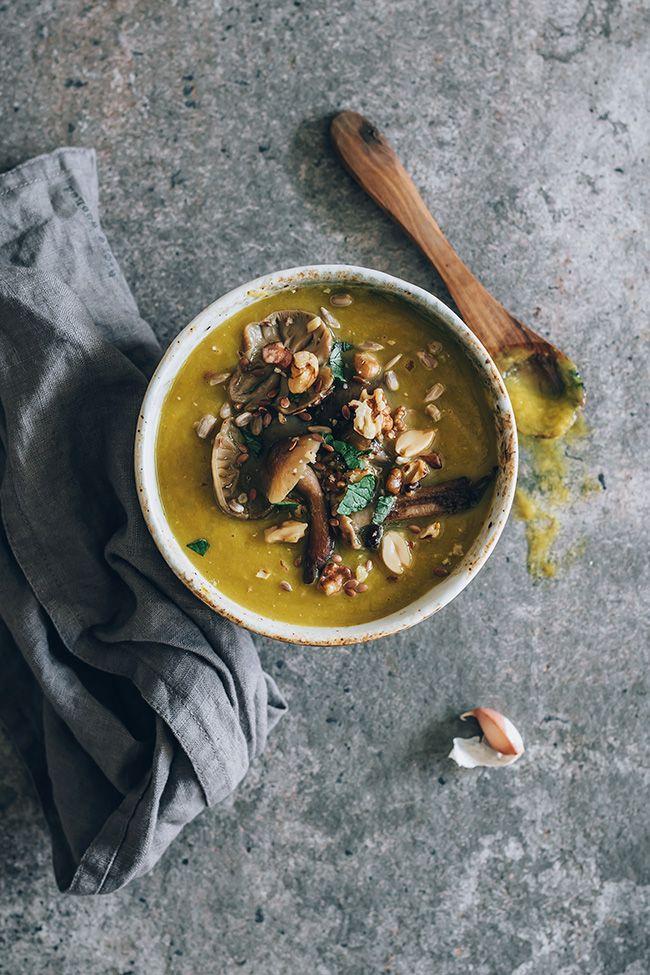 Vegan wild mushroom soup #fall #vegan #wildmushrooms | TheAwesomeGreen.com