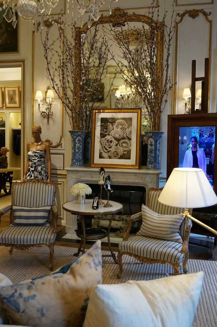 Vignette design ralph lauren in paris the best of both for Ralph lauren living room designs