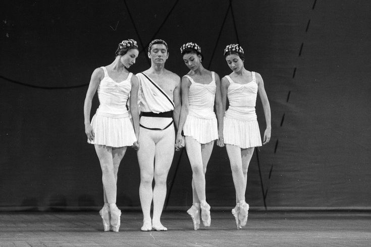https://flic.kr/p/ZWapTi | Anya Linden, David Blair, Margot Fonteyn and Annette Page in The Royal Ballet revival of Symphonic Variations. Photograph by Roger Wood. © Royal Opera House | Anya Linden, David Blair, Margot Fonteyn and Annette Page in The Royal Ballet revival of Frederick Ashton's Symphonic Variations. Photograph by Roger Wood. © Royal Opera House