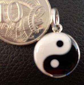 Picture of YIN YANG PENDANT $16.00