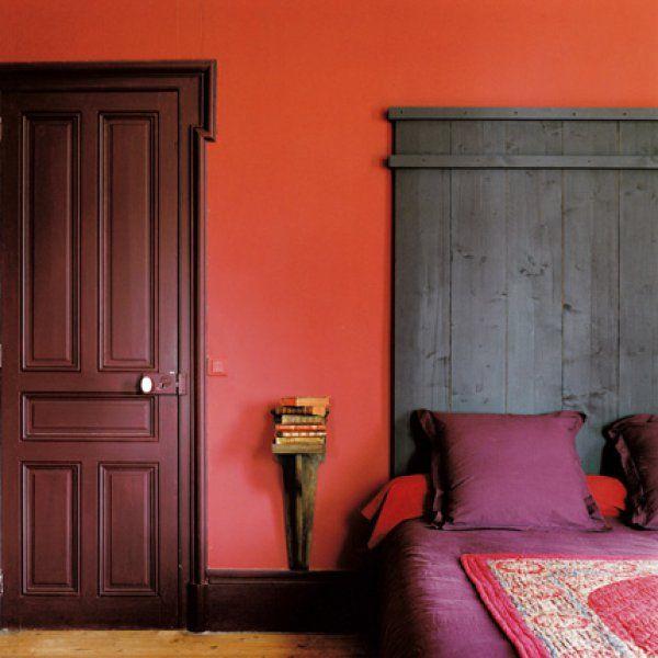 Une chambre rouge, prune et pourpres / Red bedroom