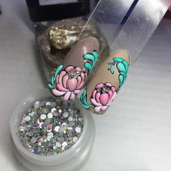 Nyári köröm design édes virágos