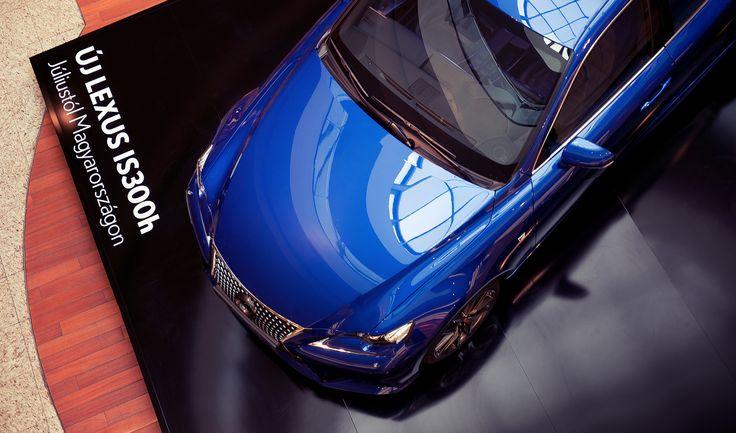A vadonatúj, full hybrid Lexus IS300h-t próbálhatja ki a nyereményjátékunk nyertese egy élményhétvégén.