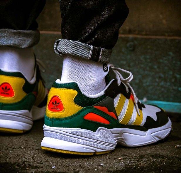 Grauer adidas Originals Yung 96
