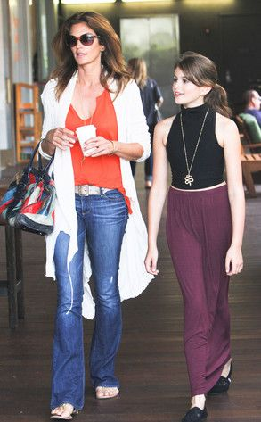 Cindy Crawford legs | Cindy Crawford stepped out with her daughter Kaia in Malibu on Sunday ...