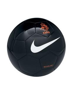 Ik ben erg sportief, mijn hobby is voetbal en ik hou ervan om in beweging te blijven.