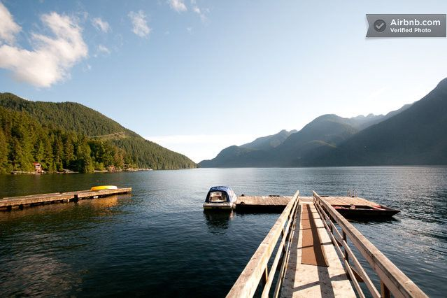 Amazing Indian Arm Waterfront Cabin in Vancouver