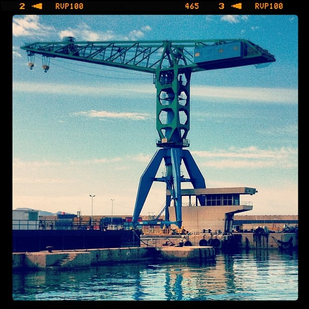 #works #crane #seaport #port #travail - @addams_loveless   Webstagram