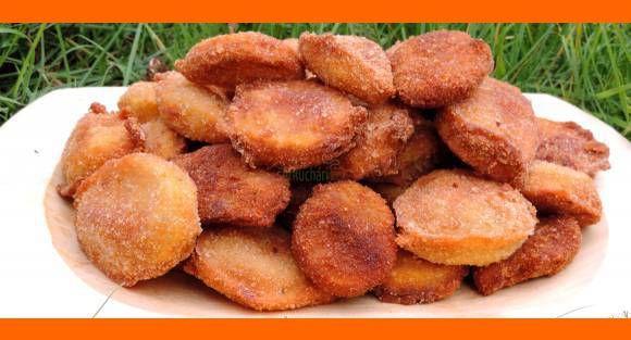 Vyprážané zemiaky Na posedenie, na zobkanie, dobré pre mäsožravcov aj pre vegetariánov. Vyprážané zemiaky Na posedenie, na zobkanie, dobré pre mäsožravcov aj pre vegetariánov. Ingrediencie - zemiaky podľa chuti Na type nezáleží - A,B,C, ... - niečo na ochutenie Ja používam moju domácu vegetu TROJOBAL - hladká múka do hlbokého taniera, - 3 vajíčka + …
