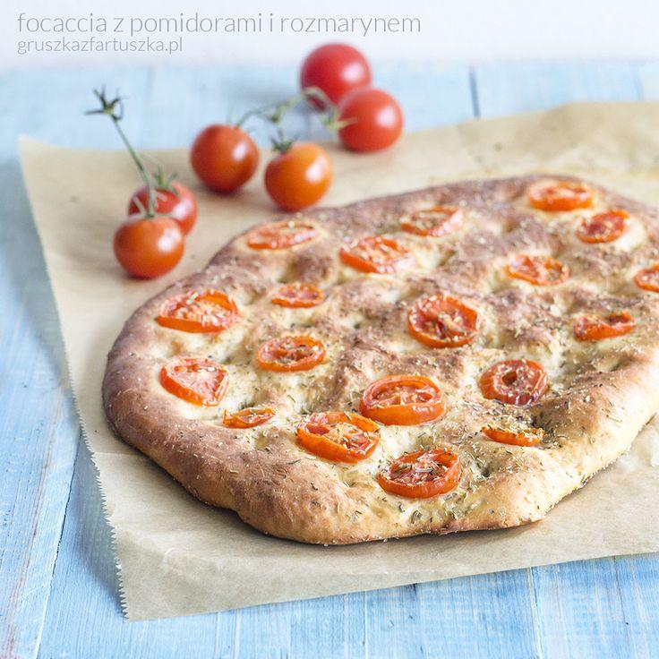 focaccia z pomidorami