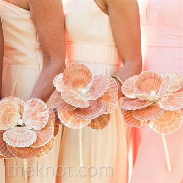 This bouquet is so unique, perfect for a beach wedding!