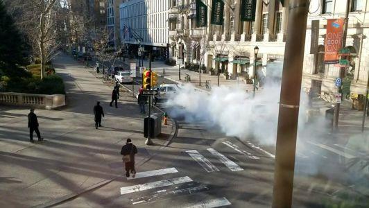 Philadelphia taxi cab stolen by half-naked man driven through park cops say #news #alternativenews