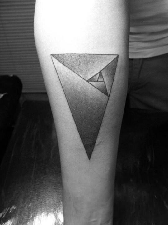 Golden triangle, fibonacci, luca pacioli, aurea, my (r) arm http://www.behance.net/gallery/Cosmovision-Life-concept-tattoo/6857201