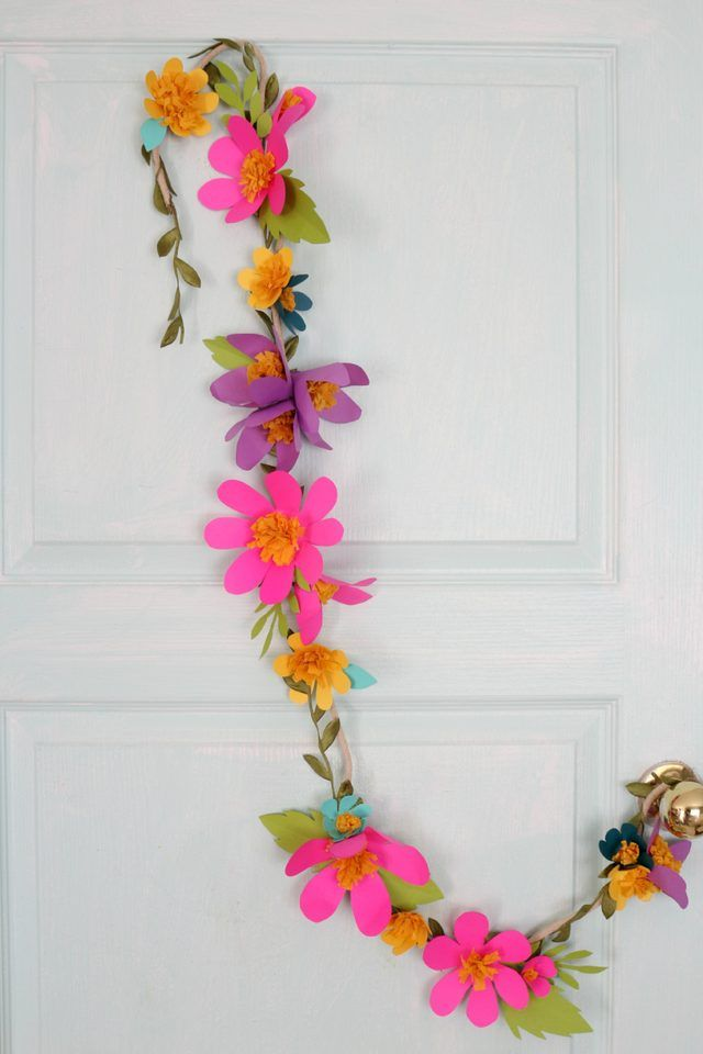 How to Make Paper Flower Garlands - Click Through For Instructions.