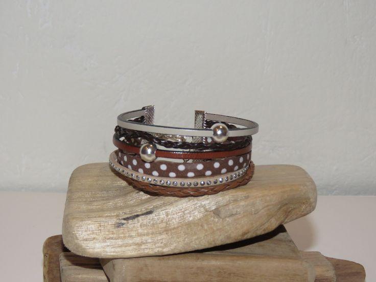 """Bracelet Manchette """"petits pois chocolat"""" en cuir, suédine cloutée,biais à petits pois, coloris crème, marron, chocolat, : Bracelet par pimprenelle-coccinelle-creations"""