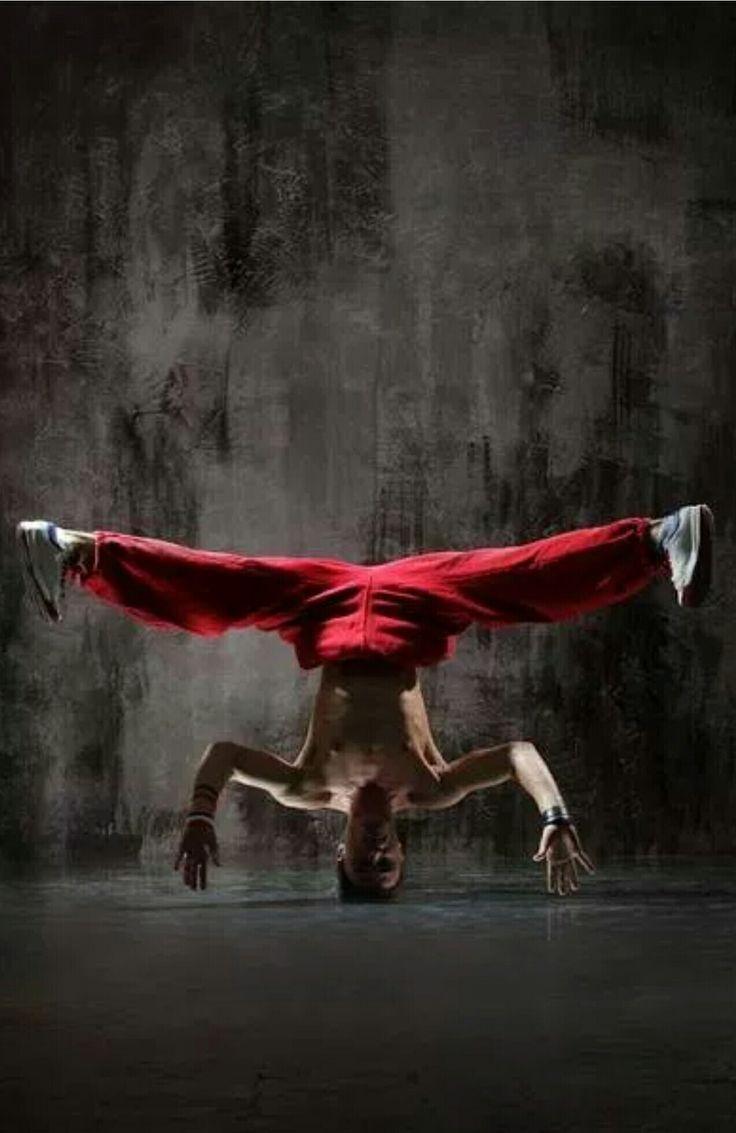 Break dancing poses kann jedem Portrait Fotos Energie geben. Diese Posen sind ideal für die Darstellung der Modelle Aussehen und die Kleidung, die sie tragen. Hier sind einige Beispiele für Tanzen Posen im Studio und im Freien.