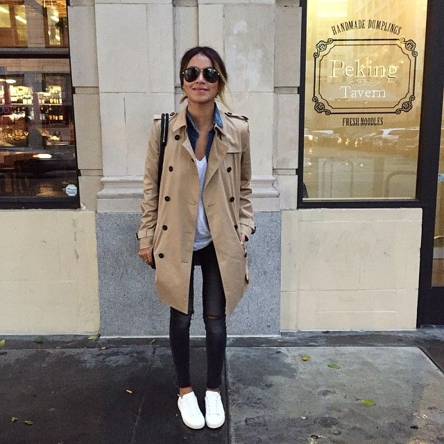 Trench Coat Chambray Shirt White Tee Black Jeans Sneakers
