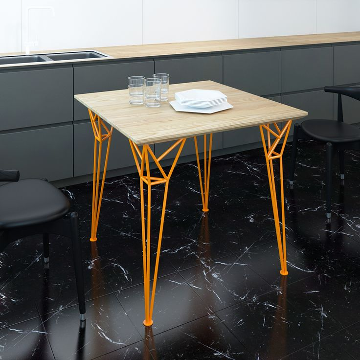 Стол APOLLO - давняя задумка,  обладает привлекательной формой, простотой сборки и детской фантазией: ножки стола олицетворяют опоры лунного модуля космического корабля «Аполлон», которые своей мощью удерживают покоренную новую землю. И не верьте тем, кт…
