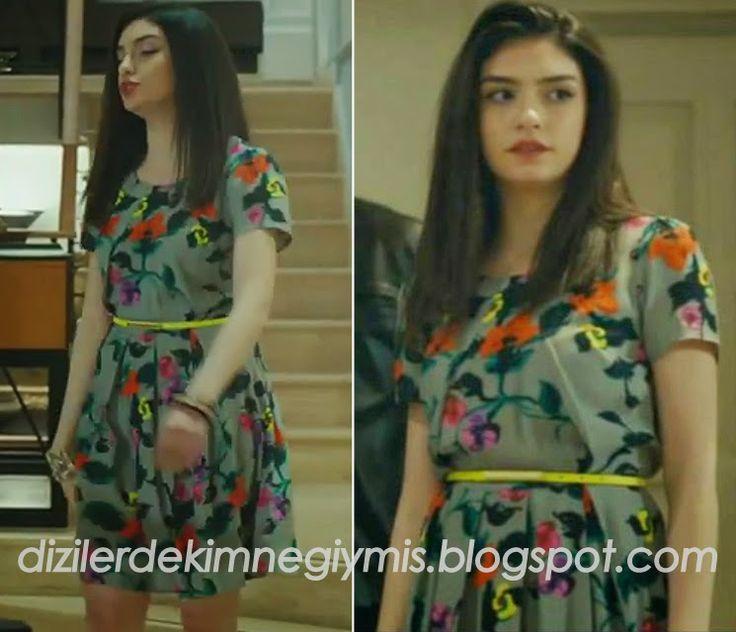 Medcezir - Eylül (Hazar Ergüçlü), Topshop Floral Dress