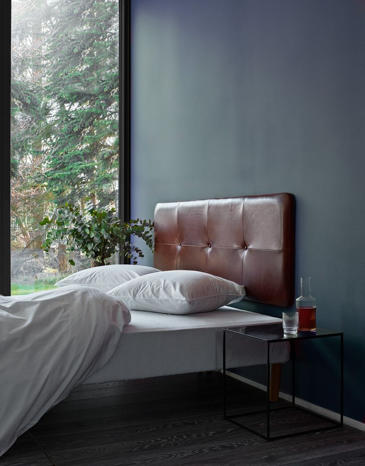 Raw and smooth at the same time. The tight look gives The Raw Headboard a luxurious hotel-feel. It is made in the finest aniline leather and with a unique attention to detail. The Raw Headboard is designed and handmade in Denmark.