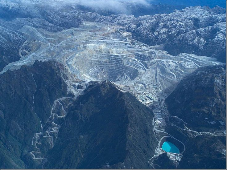 Gold Mountain Grasberg Tembagapura, Timika Freeport Indonesia I was there 2007, manage by Freeport-McMoran Copper & Gold,...I miss come again
