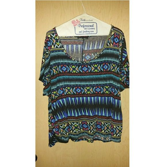 Aztec/Tribal shirt Good condition Tops Tees - Short Sleeve