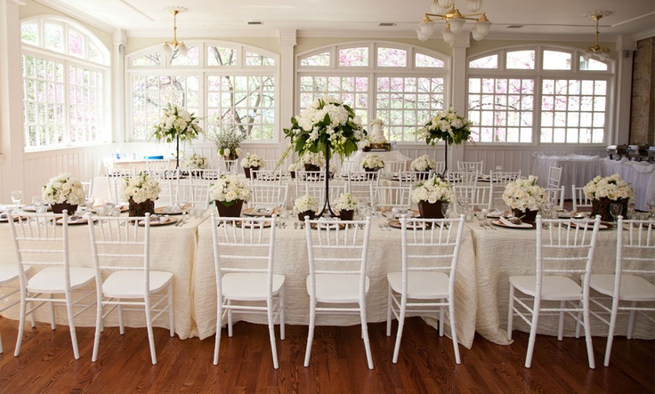 White Reception Tables #brunch #brunchwedding
