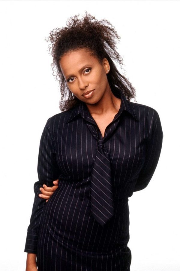 lisa nicole carson...miss her on the tv &  movie screen