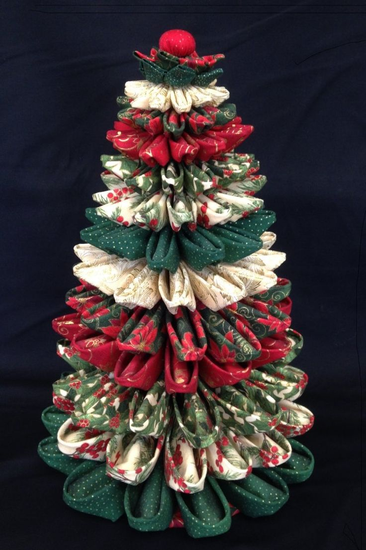 Folded Fabric Christmas Tree Más
