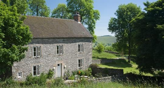Slade House Farm - Peak District, Derbyshire, Cheshire & Staffs. Self-catering for up to 8