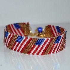Bracelet manchette motif  drapeau américain tissage peyote en perles de rocaille miyuki 11/0