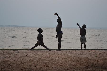 Togo. Citeste mai mult: http://www.imperatortravel.ro/2013/02/fii-nu-incerca-sa-devii-de-desiree-hallaseh-in-direct-din-togo.html