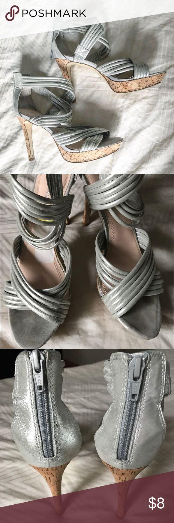 Gianni bini 8.5 silver strappy heels - like new! Gorgeous Gianni Bini heels, like new, size 8.5! I do killer bundle deals, check out my other listings ❤️🎉 Gianni Bini Shoes Heels