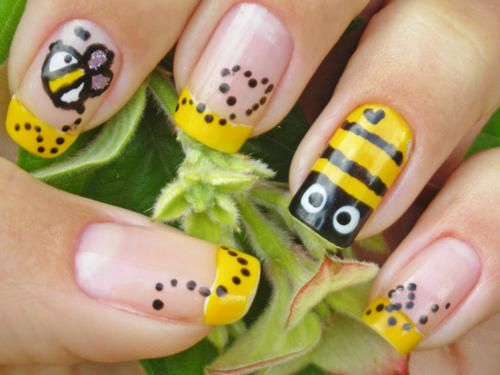 48 best nail art bees images on pinterest bees bumble bees and i like this wo the bee on the ring finger it would actually look good wo any bees at all and maybe diff colors prinsesfo Choice Image