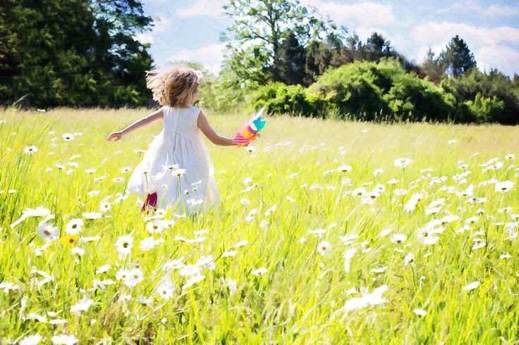 Vestitini estivi per bambine: consigli alla moda  - Care Mamme e Papà di piccole briganti è ufficiale, l'estate è arrivata in anticipo. E per godersi il caldo ecco una ventata di preziosi consigli per immergervi tra le miriadi di vestitini estivi per bambine che coloreranno questi mesi, rendendoli molto più freschi e vivaci.  Liberate dal fardello delle coltri di giacche, maglioni, sciarpa e cappello, le nostre pulzelle saranno finalmente libere di sgambettare al sole