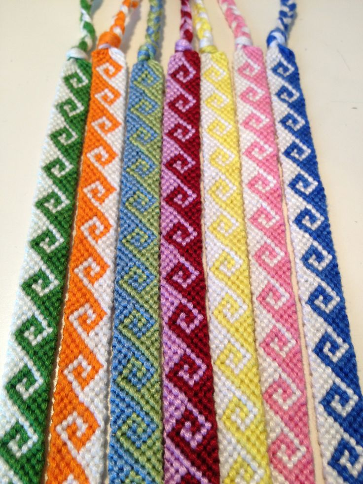 Spiral friendship bracelet pattern number 8534 - For more patterns and tutorials visit our web or the app!
