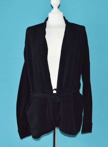 COS Blazers http://www.videdressing.us/blazers/cos/p-4892381.html?&utm_medium=social_network&utm_campaign=US_women_clothing_coats___jackets_4892381
