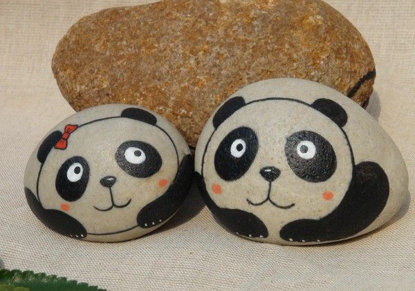 石趣部落原创手绘石头 熊猫的爱