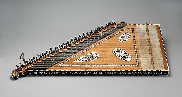 Qānūn, Turkey, 19th century. Inlaid with mother-of-pearl and shell