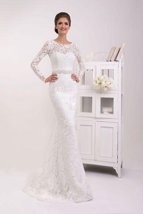 Úzke čipkové svadobné šaty s dlhým rukávom - trend 2016